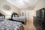 1st Guest Bedroom 2 Queen Beds & Private Bath