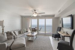 Wind Drift 611SW. Newly Updated 2Bed/2Bath Condo On The Beach. Snowbirds Welcome !