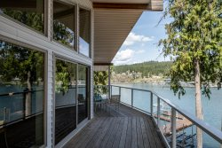 Lake Front Home on Lake Coeur d'Alene