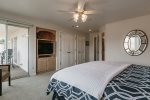 Master Suite/ King Bed