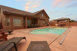 Private pool house in Sand Hollow area - Boats/Trailers Welcome