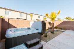 Vida Sol - 4 br. Private hot tub, perfect location.  All new