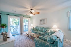 Walking Distance to the Beach!! 2 bed/2 bath in N Myrtle's Arcadian Shores