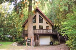 Cedar Grove Lodge | BBQ | Game Room + Wifi