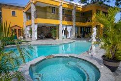 Brief Homes Pandora Luxury Day Pass