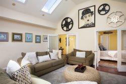 PEAK OF DUVAL: Sophisticated Bright & Breezy Duval Street Apartment