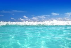 HEATED POOL! STUNNING! DIRECT Beach Front Sea Gem! Waters Edge 514! Sleeps 6!