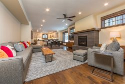 Big Sky Luxury Townhome - Perfect Vacation Rental In the Heart of Town Center
