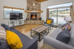 Beautiful Mountain Chalet | Big Sky Town Center