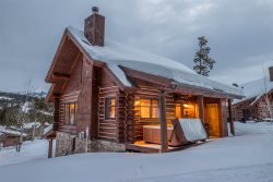Big Sky Powder Ridge Retreat | Ski-In Ski-Out Access