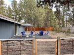 Lovely location within walking distance to the Deschutes River.