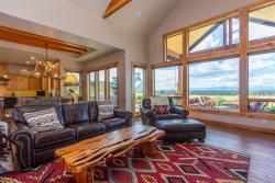 Shumway Lookout at Brasada Ranch Resort, close to walking paths, stunning mountain views, firepit!