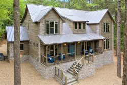 NEW! FOREST HOME-High Luxe 5B/5.5BA Hot tub/Game Room/Pool Table/Outdoor Playset
