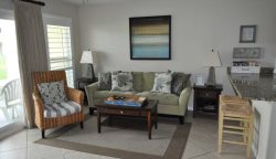 The charming and open 9B vacation condo in Destin offers its guests a first floor unit with one bedroom and a private bath.