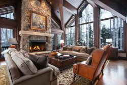 833 Strawberry Park, LUXURY SKI IN/SKI OUT, 7 Bedrooms/8.5 Baths, Views! Private Hot Tub!