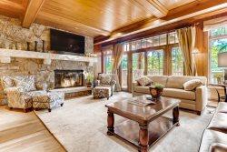 Snowcloud 511, 3 Bedroom/3 Bath, SKI IN/SKI OUT! Views! Lodge Hot Tubs! Ritz Carlton Pool & Hot Tubs!