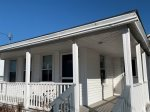 Air conditioned cottage 75 yards from the beach!