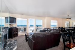 IBCLUB 208 - Amazing Oceanfront 2 Bedroom Condo