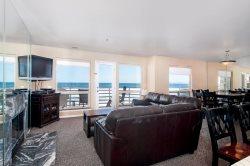IBCLUB 208 - Amazing Oceanfront 2 Bedroom Condo