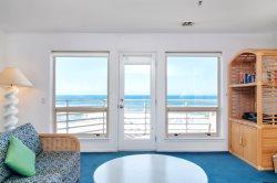 Beautiful 2 Bedroom with Oceanfront Views