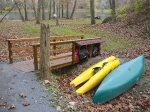End of path to river, 1 canoe and 2 kayaks