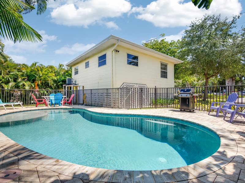 Charming North End Fort Myers Beach Cottage With Pool