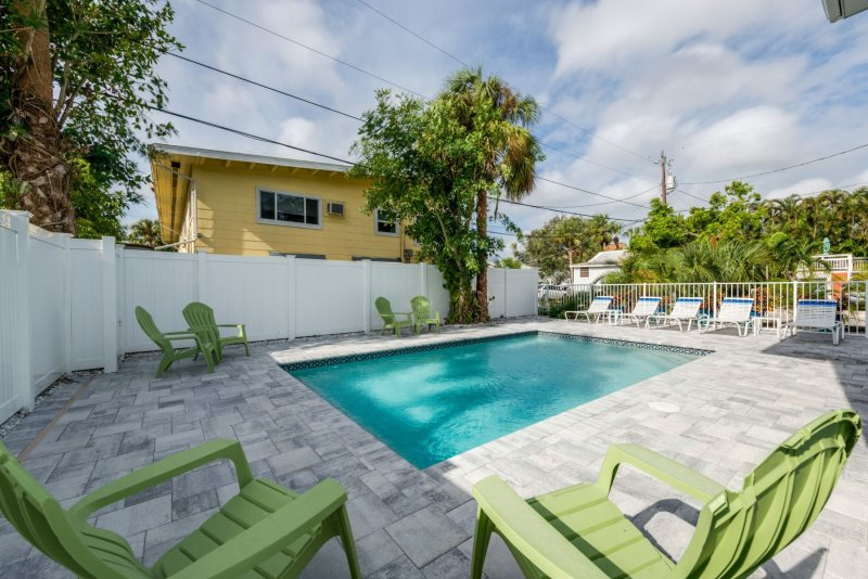 Great Big Blue Beach House 6 BR Pool Home Just 3 Houses From The Sand