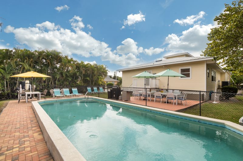 Fantastic 6 Bedroom Vacation Home With Huge Private Pool And NEW 7 PERSON  HOT TUB!
